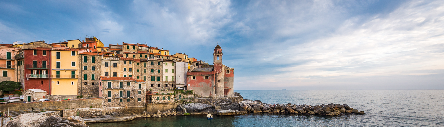 tailor made travel itineraries in Italy, Tellaro, little village in the gulf of la Spezia, Italy