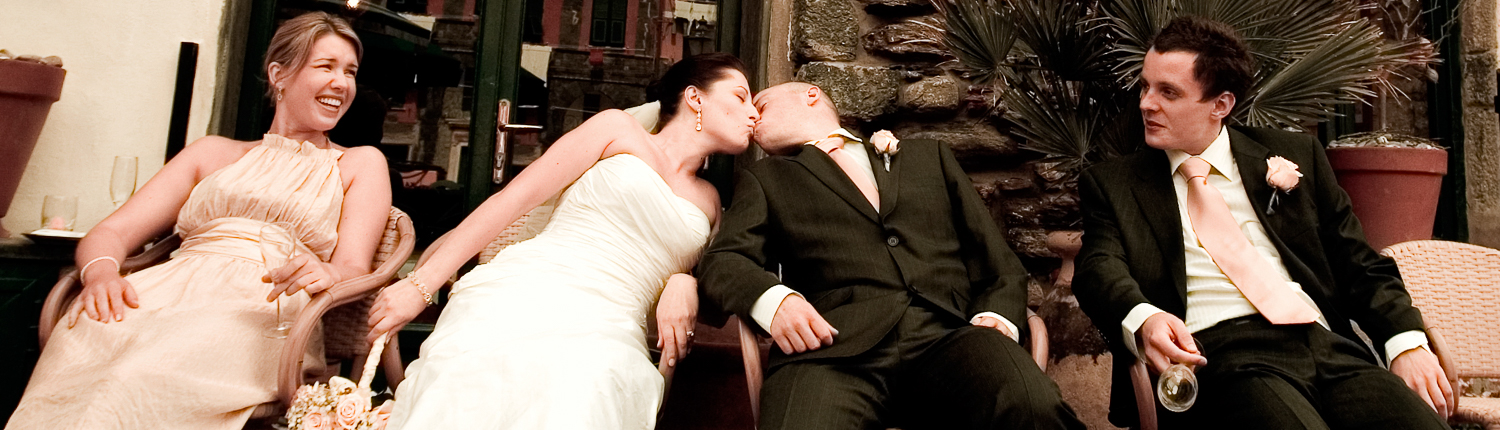 wedding in Liguria with a kiss