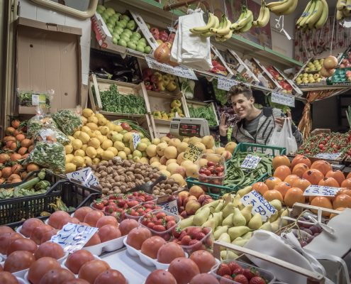 Gourmet and culinary tours in Italy, vegetable store in Genoa