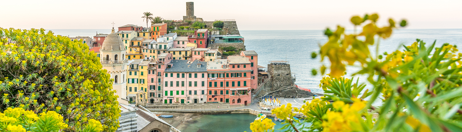 tailor made itineraries in italy: vernazza, cinque terre, italy