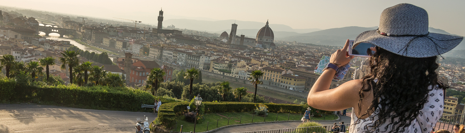 tailor made itineraries in Italy: florence, piazzale michelangelo at sunset