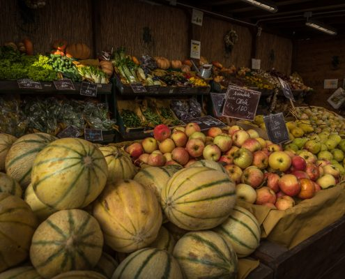 culinary tours in Italy - a vegetable market in Tuscany