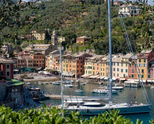 Italy, National park of Portofino, Unesco Worldheritage site. View over the little harbour of Portofino